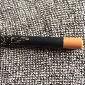 Kylie Cosmetics Butternut Lip Liner